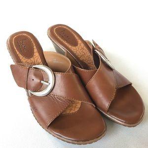 "BOC Brown Leather 3.5"" Heel Slip On Sandals Sz 8"